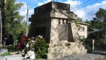 Turku karagūstekņu kapu atjaunošana Cēsīs